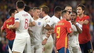 España se complica la vida al caer en Sevilla ante Inglaterra