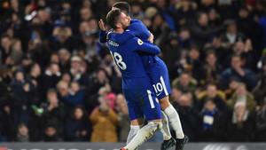 Giroud y Hazard fueron los protagonistas del primer gol
