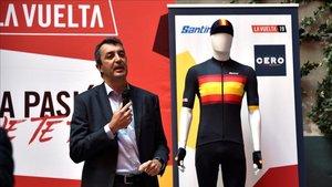 Guillén durante a presentación de los maillots de LaVuelta