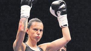 Joana Pastrana, campeona mundial de boxeo