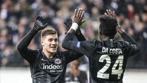 Jovic celebra un gol en el Eintracht