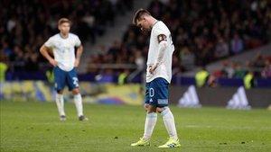 Leo Messi se lesionó en su regreso a la selección argentina