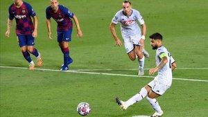 Lorenzo Insigne no falló desde el punto de penalti