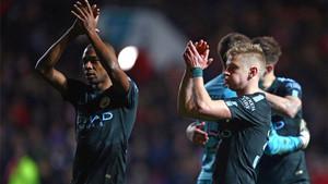 Los jugadores del City celebrando su clasificación