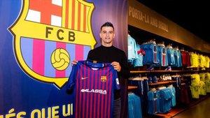 Marcenio ya ha posado con la camiseta del FC Barcelona