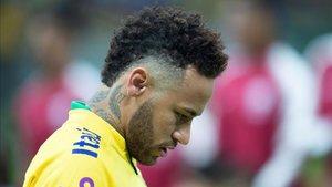 Neymar está atravesando uno de los peores momentos de su vida