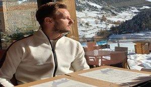 Rakitic descansa de los rumores de fichaje pasando un finde en la nieve