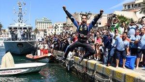 Sordo celebra su victoria en el Rally de Italia