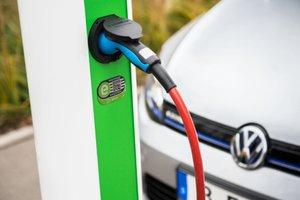 Una nueva patente de Apple hace referencia a un sistema de carga para vehículos eléctricos similar a MagSafe