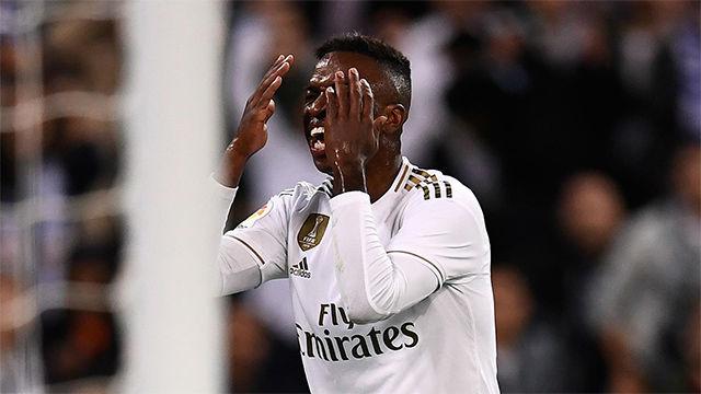 A Vinicius se le volvió a atragantar el gol...