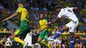 xortunochelsea s english striker tammy abraham r shoots190824151808