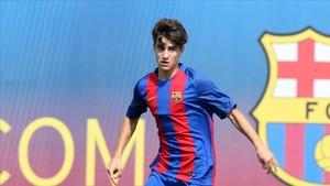 Álex Collado renueva con el Barça B hasta 2021