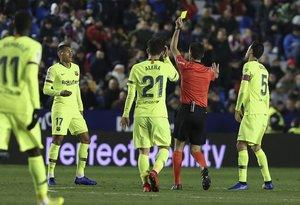 De Burgos Bengoetxea pitará al Barcelona en Sevila