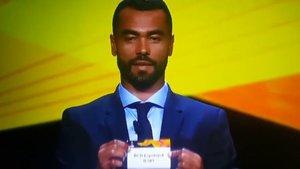 Cole protagonizó la anécdota del sorteo de la Europa League