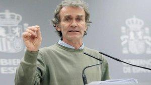 Familiares de una víctima por coronavirus denuncian a Fernando Simón por homocidio imprudente