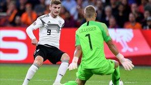 Jasper Cillessen en el partido Bélgica - Alemania (3-0)