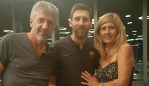 Messi, junto a sus padres