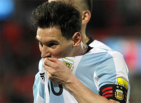 Messi lamentó la muerte de Cruyff