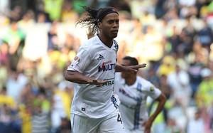 Ronaldinho no ha cuajado en el fútbol mexicano