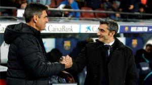 Valverde se saluda con Pellegrino