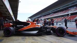 Alonso ya fue el piloto escogido por McLaren para estrenar el bólido en 2017