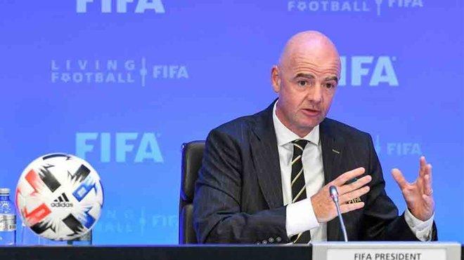"""Infantino: """"El VAR está ayudando el fútbol, no lo está dañando"""""""