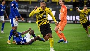 Akanji abrió la lata y mostró el camino de la victoria al Dortmund.