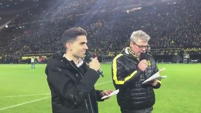 Bartra presenta la alineación del Dortmund contra el Salzburg