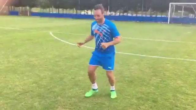Cazorla sigue trabajando en solitario para llegar en plenas condiciones a la pretemporada con el Villarreal