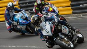 Daniel Hegarty , dorsal 8, durante la carrera en Macao