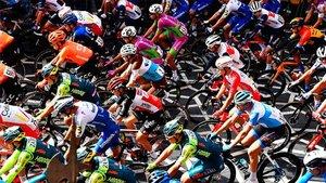 El Giro sigue adelante a pesar de los positivos