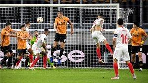 José Castro vibró con el gol de Ocampos que clasificó al Sevilla