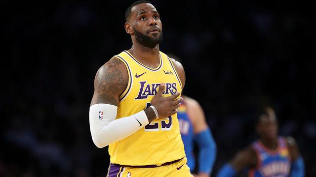 LeBron James hace historia: 30 triples dobles ante 30 equipos