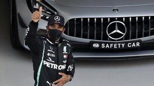 Lewis Hamilton tras la sesión de clasificación.