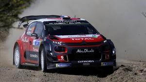 Loeb, en acción durante la primera etapa del Rally de México