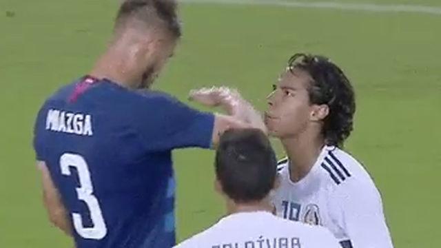 Miazga se mofa de un jugador mexicano por s estatura
