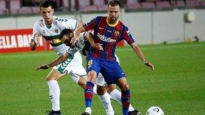 Miralem Pjanic ha debutado este sábado con la camiseta del FC Barcelona contra el Elche CF en la 55ª edición del Joan Gamper