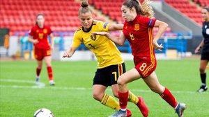Olga Carmona durante el partido contra Bélgica