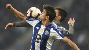 Óliver Torres, jugador del Porto, en un partido de la primera liga portuguesa