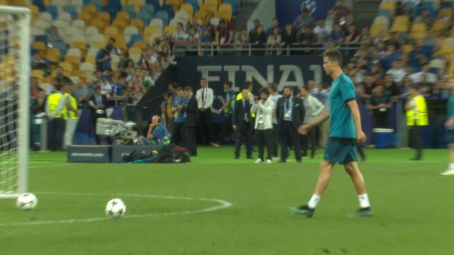 Y por si acaso... Cristiano practicó los penaltis