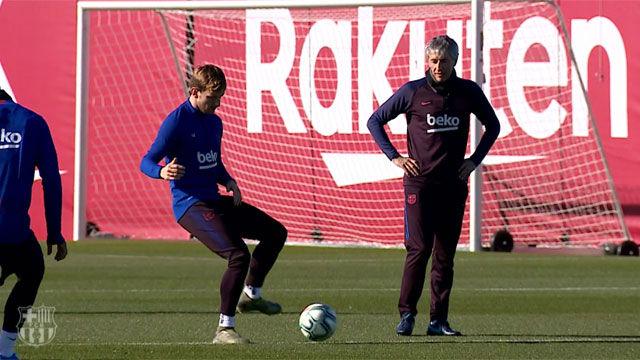 Quique Setién dirige el primer entreno como técnico del Barça