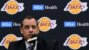 Vogel reconoció que la lesión de Rondo trastoca los planes de los Lakers