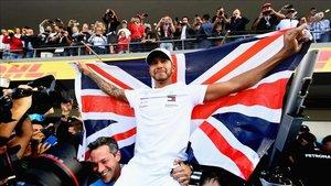 Lewis Hamilton celebra su título en México