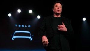 Elon Musk durante la presentación del Model Y.