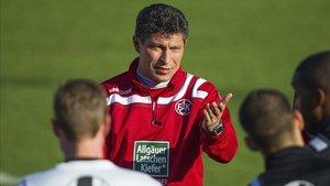 Balakov, en su etapa de entrenador del Kaiserslautern