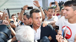 Bernardeschi fue aclamado por los hinchas de la Juve
