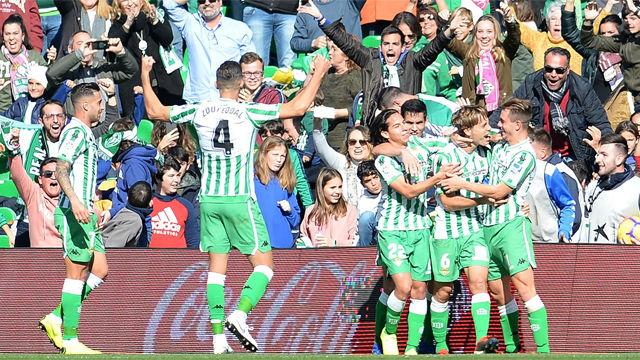 El Betis remonta al Girona en el 93 y desde el punto de penalti
