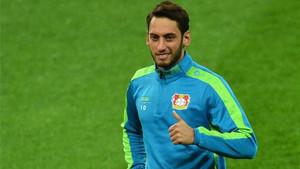 Calhanoglu no quiere causar más problemas al Leverkusen