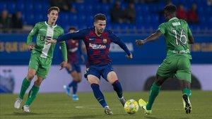Carles Pérez regresó al Barça B y fue quien abrió el marcador