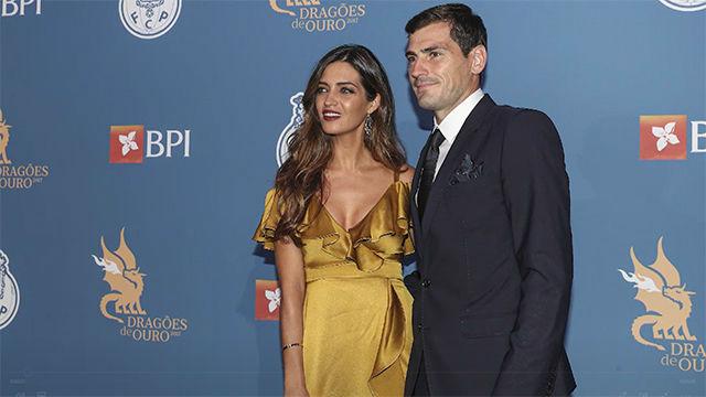 Casillas y Sara Carbonero, contra la adversidad